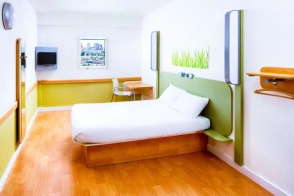 room study hotel
